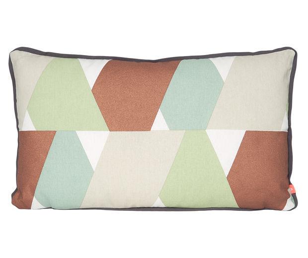 boutique la maison les accessoires coussins plaids et tapis coussin layers. Black Bedroom Furniture Sets. Home Design Ideas
